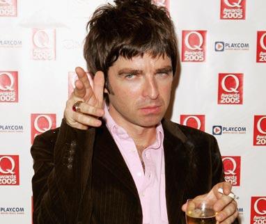 Ese gran poeta llamado Noel Gallagher (y su musa, Guitar Hero) [Que lo sepas]