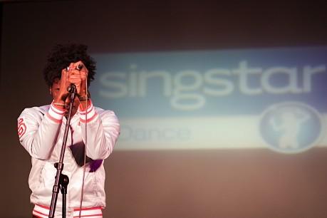 De picos pardos con Sony y SingStar
