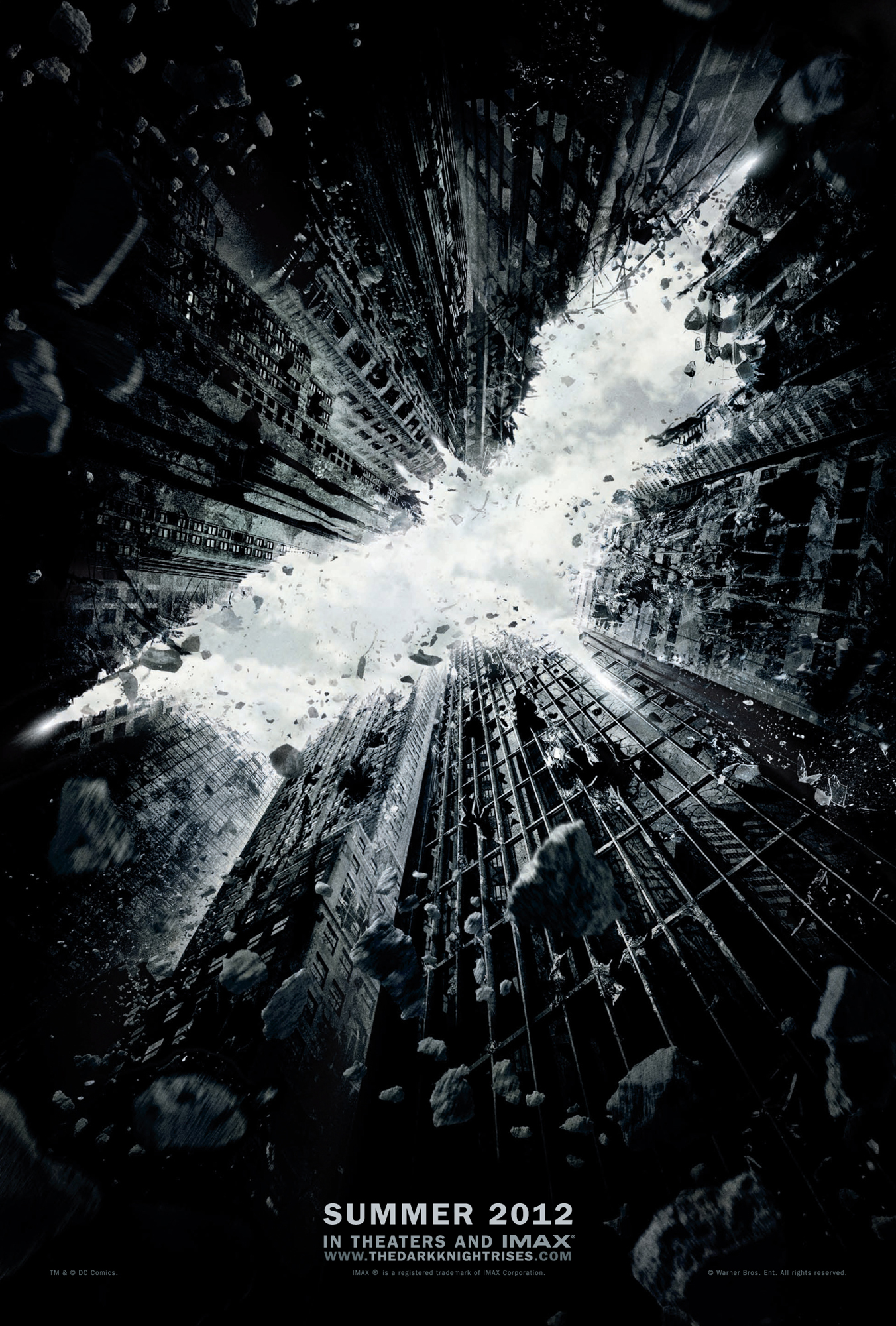 ¿Os he dicho ya que Batman lo está petando? Se desvela el primer póster de The Dark Night Rises