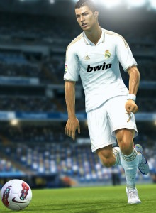 AKB simula el Manchester United Vs Real Madrid con el PES 2013