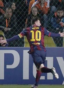 EA celebra en FIFA 15 el récord de Messi en Champions