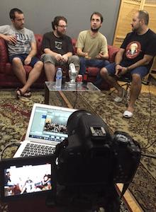 AKB Live: Con Talking About Media y Carlos Coronado