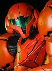 Marchando un brutal cosplay de Metroid