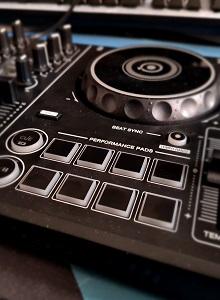 Análisis del controlador DJ Pioneer DJ DDJ-200
